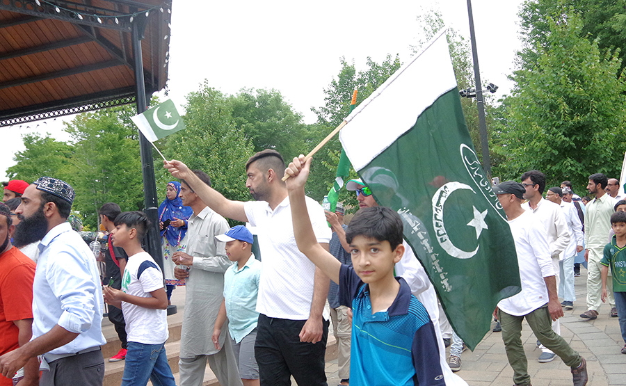Pakistanis celebrate anniversary of their nation's independence
